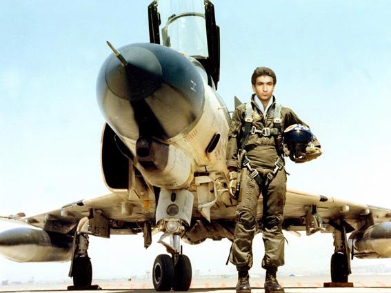 خلبانی که آمادگیش را برای نبرد با صهیونیستها اعلام کرد