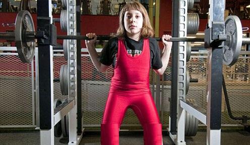 14 ساله قوی ترین وزنه بردار جهان عکس - 46