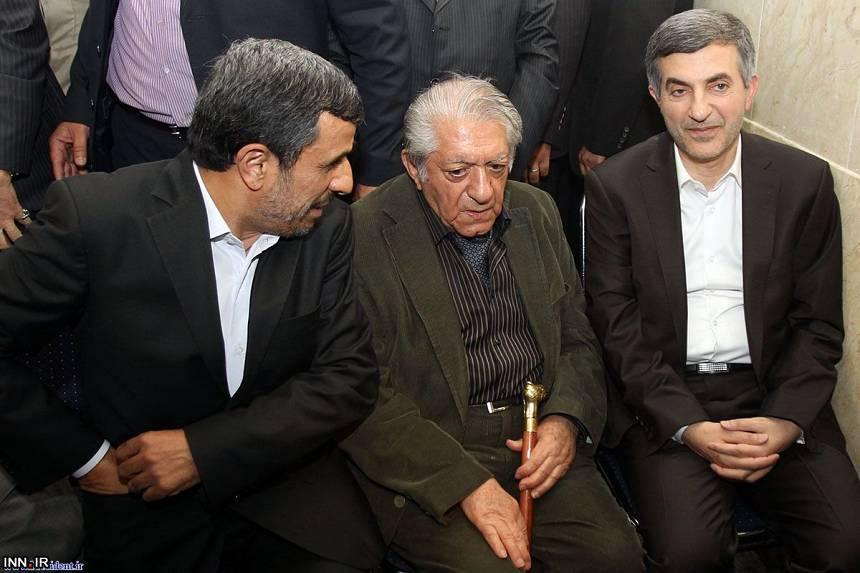 ماجرای حضور عزت الله انتظامی کنار مشایی در وزارت کشور عکس