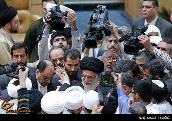 حضور رهبر معظم انقلاب در اجلاس جهانی علما و بیداری اسلامی + تصاویر  +وبلاگستان امام صادق(ع)