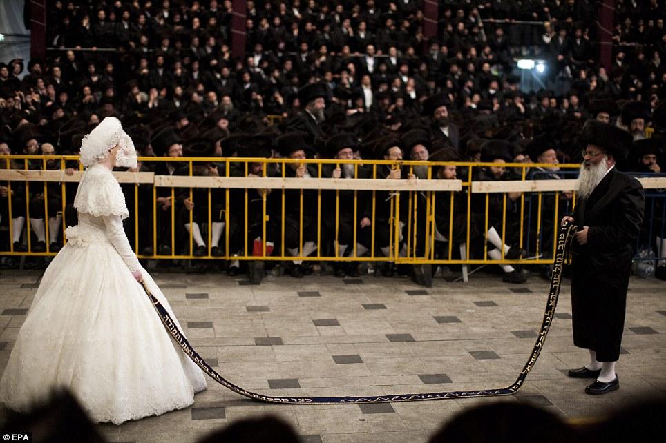 1138825 144 - تصاویر عروسي عجيب يهوديها
