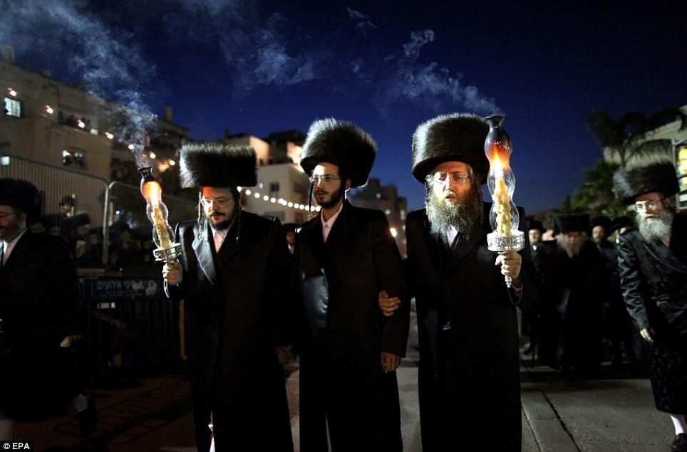 1138832 447 - تصاویر عروسي عجيب يهوديها