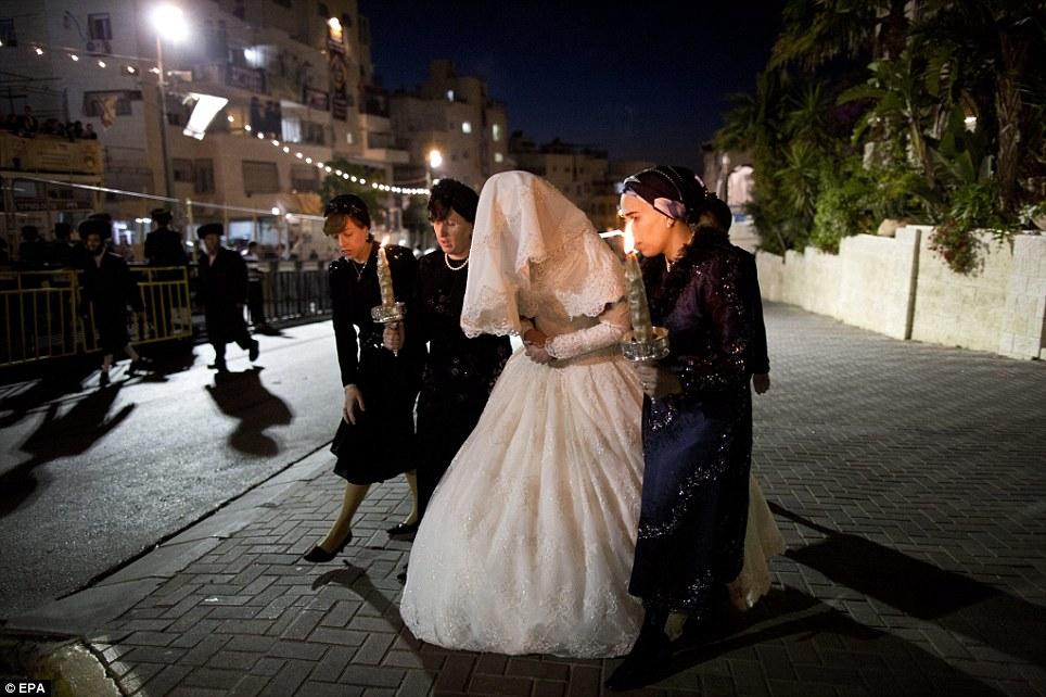 1138833 933 - تصاویر عروسي عجيب يهوديها