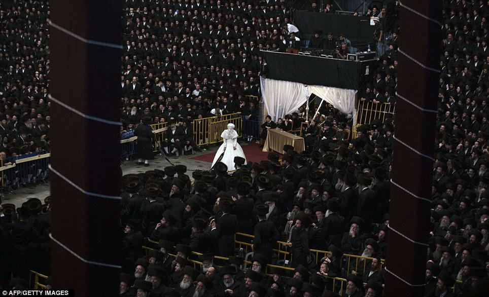 1138834 165 - تصاویر عروسي عجيب يهوديها