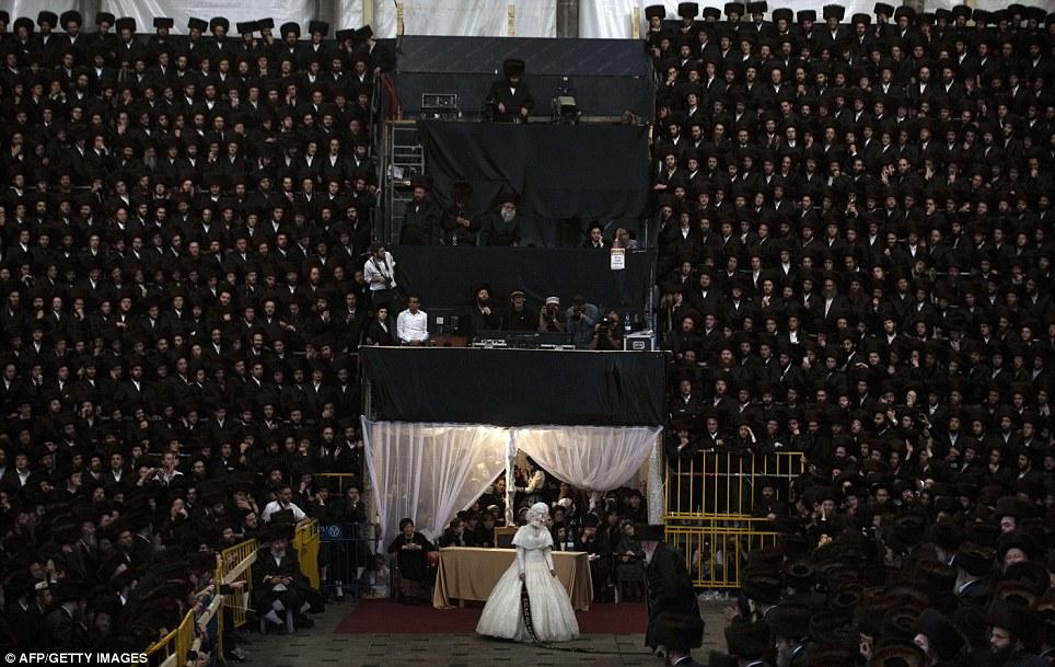 1138835 261 - تصاویر عروسي عجيب يهوديها
