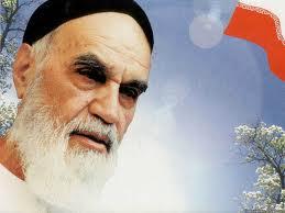 عشق به خمینى عشق به همه خوبیهاست/ نقـش کارساز حضرت امام در روشـن ساختـن اهداف واقعى رژیـم شـاه