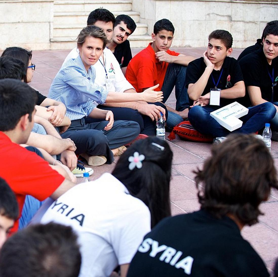 دیدار بشار اسد و همسرش با مردم سوریه