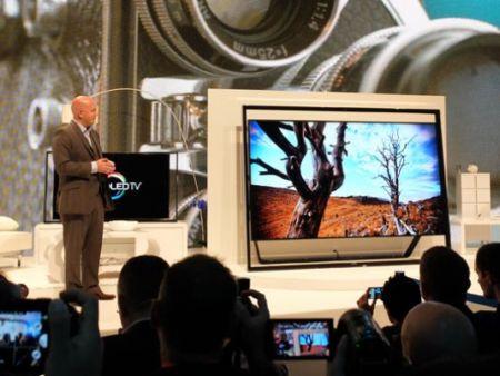 سامسونگ تلویزیون ۹۸ اینچی می سازد + عکس