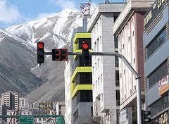 نوسازی علائم ترافیکی منطقه ۲ در آستانه مهرماه