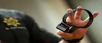 چه کسانی میتوانند دستور استفاده از دستبندهای الکترونیکی را صادر کنند؟