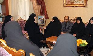 نماینده رئیسجمهور با خانواده شهید انصاری دیدار کرد