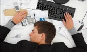 چرا زنان بیشتر از مردان به خواب نیاز دارند؟
