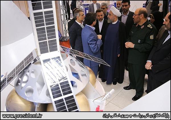 نمونه اولیه فضاپیمای سرنشیندار ایرانی رونمایی شد + تصاویر