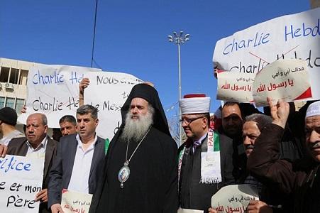 ادای احترام اسقف اعظم کلیسای ارتدوکس به پیامبر اکرم(ص) + تصاویر