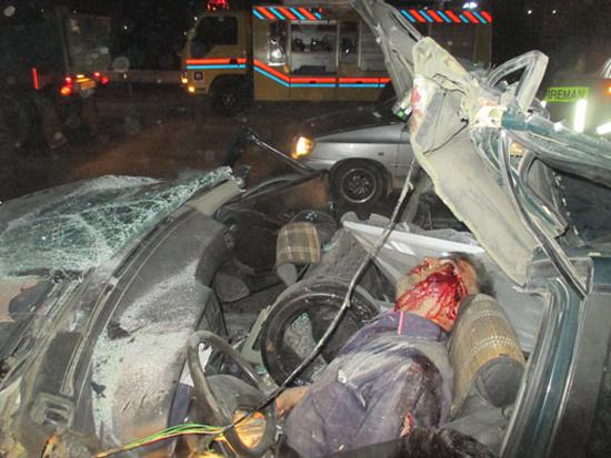 مرگ دلخراش راننده در تصادف با کامیون+ تصاویر(+18)