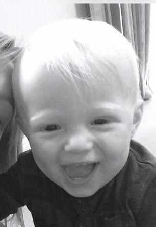 کودکی نوپا با غم انگیزترین بیماری دنیا + تصاویر