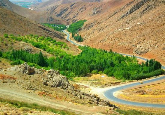 همراهی با زیباترین جاده های ایران را  با ما تجربه کنید