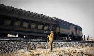 خروج قطار مسافربری تهران - اهواز از ریل بر اثر ریزش کوه/ حادثه تلفات جانی نداشت