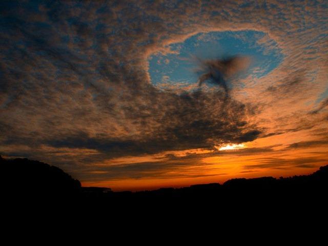 ابرهای سوراخ شده + تصاوير