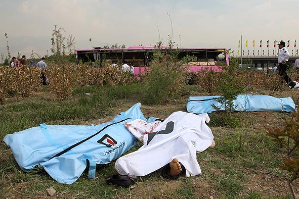 روایت دردناک شاهدان عینی از اتوبوس مرگ +تصاویر
