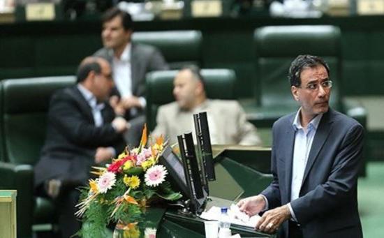 ایا امیر تتلوتلگرام دارد سخنان جنجالی یک اقتصاددان: هاشمی و خاتمی و احمدی نژاد و روحانی. هر چهار نفر به اقتصاد آسیب زدند
