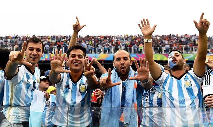 تمسخر برزیل توسط آرژانتینیها + عکس
