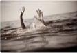 نجات  معجزه آسای نوجوان تهرانی پس از غرق شدن در دریا