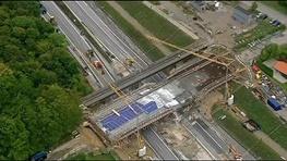 فرو ریختن پل تازه افتتاح شده +عکس