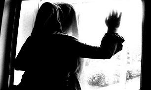 داستان دردناک دختر 16 ساله که ازخانه فرار کرد و به قبرستان پناه برد