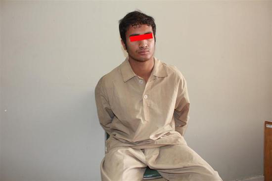 افغان شیطان صفت قصد آزار و اذیت دختر بچه ایرانی را داشت/ دختر بچه قبل از رسیدن به بیابان نجات یافت + عکس