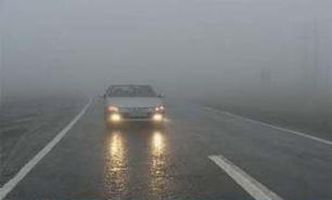 بارش باران و گرد و غبار شدید در جادههای کشور