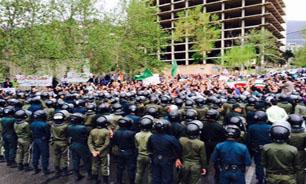خیل کثیری از دانشجویان و مردم صدور قطعنامه علیه مردم یمن را محکوم کردند