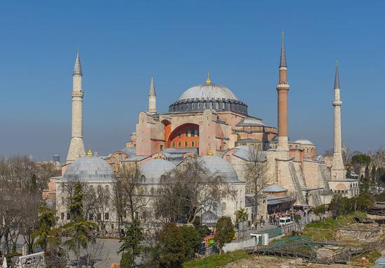 تلاوت قرآن در مسجد حاجی صوفیا پس از 85 سال + تصاویر