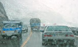 تردد روان و بارش باران در جادههای کشور