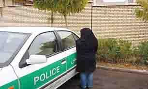 مزاحمتهای دختر جوان برای مرد شیرازی/ پلیس دختر 22 ساله دستگیر کرد