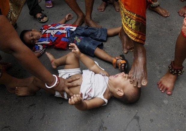کودک آزاری در هند به سبک بودایی
