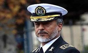 امام از انحلال ارتش جلوگیری کرد/ دشمن با همه تجهیزاتش آسیب پذیر است