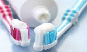اشتباهاتی خطرناک که هنگام مسواک زدن دندان ها رخ می دهد