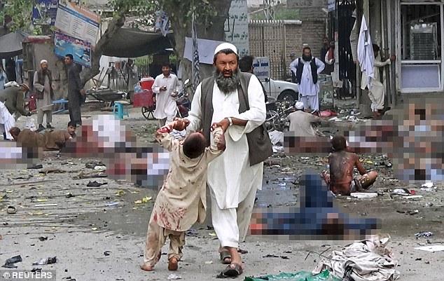 تصاویری دلخراش از حمله انتحاری گروه تروریستی داعش در افغانستان