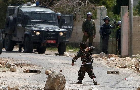 پسر بچه ۵ ساله فلسطینی خبر ساز شد +عکس
