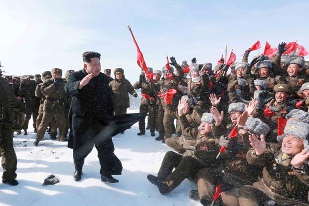 کیم جونگ-اون بلندترین قله کره شمالی را فتح کرد