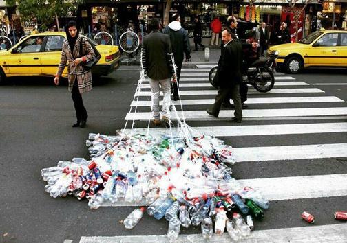 اعتراض خلاقانه به زبالهسازی درتهران