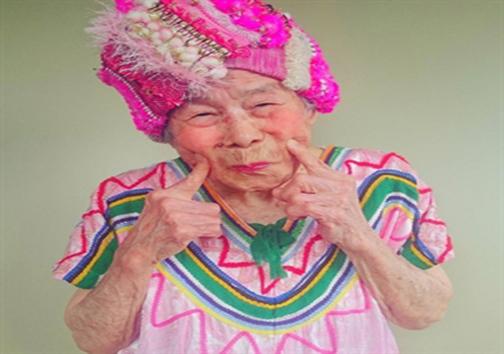 پیرترین مانکن دنیا + تصاویر