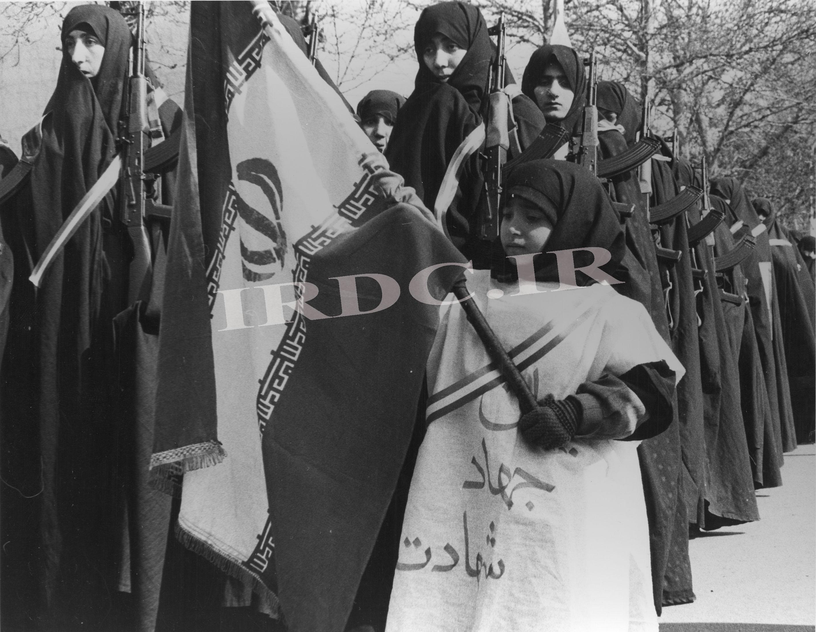 شیر زنان ایرانی در جنگ با صدام +تصاویر