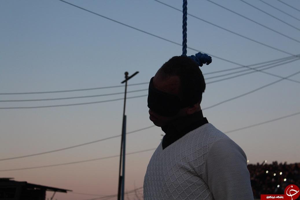 اعدام قاتل بانوی میاندورودی در ملاء عام+تصاویر