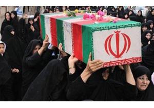 تشییع پیکر مادر شهیدان عباسی در همدان