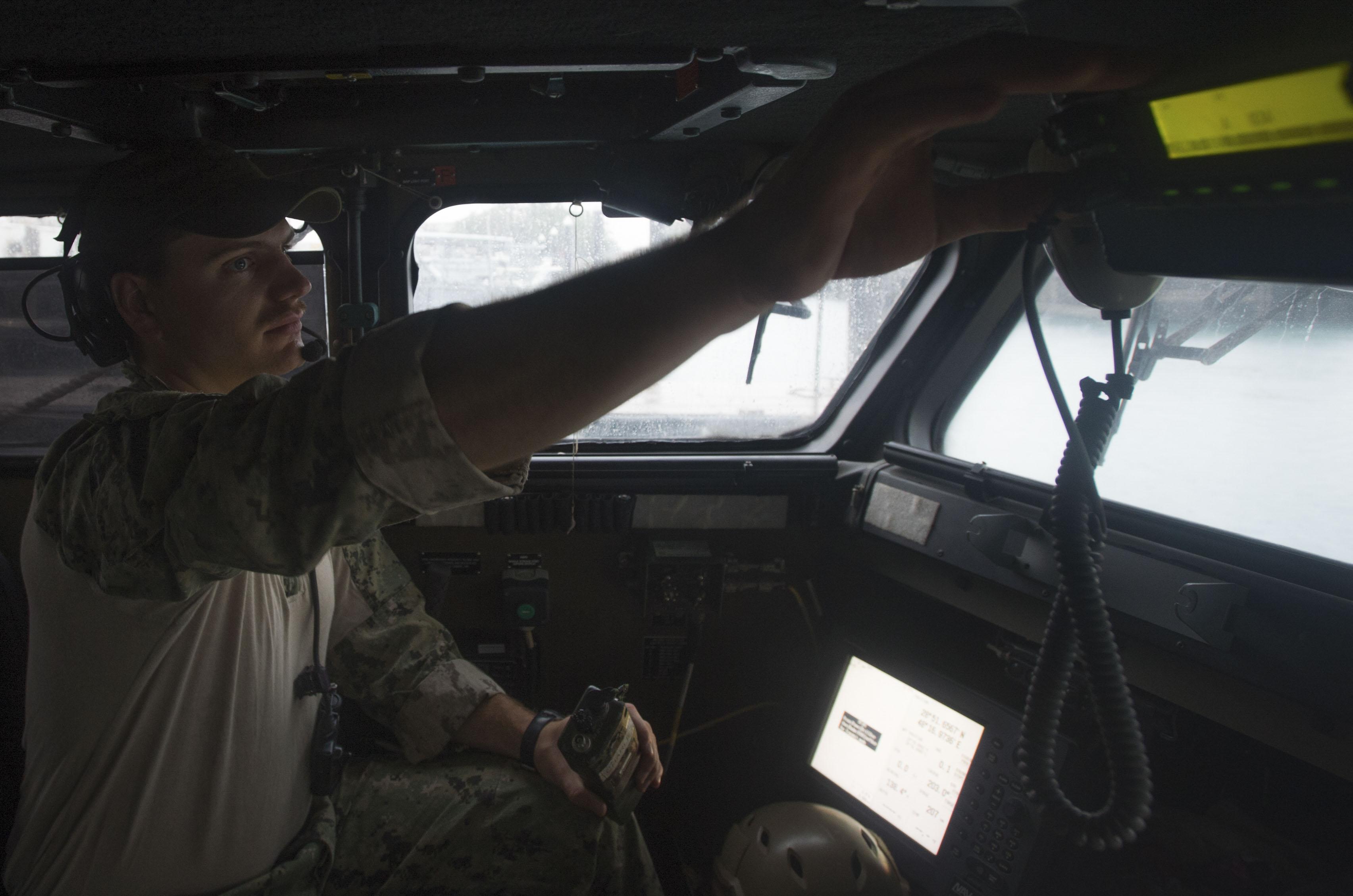 فرمانده تفنگداران آمریکایی که از ایران عذرخواهی کرد که بود؟+ تصاویر