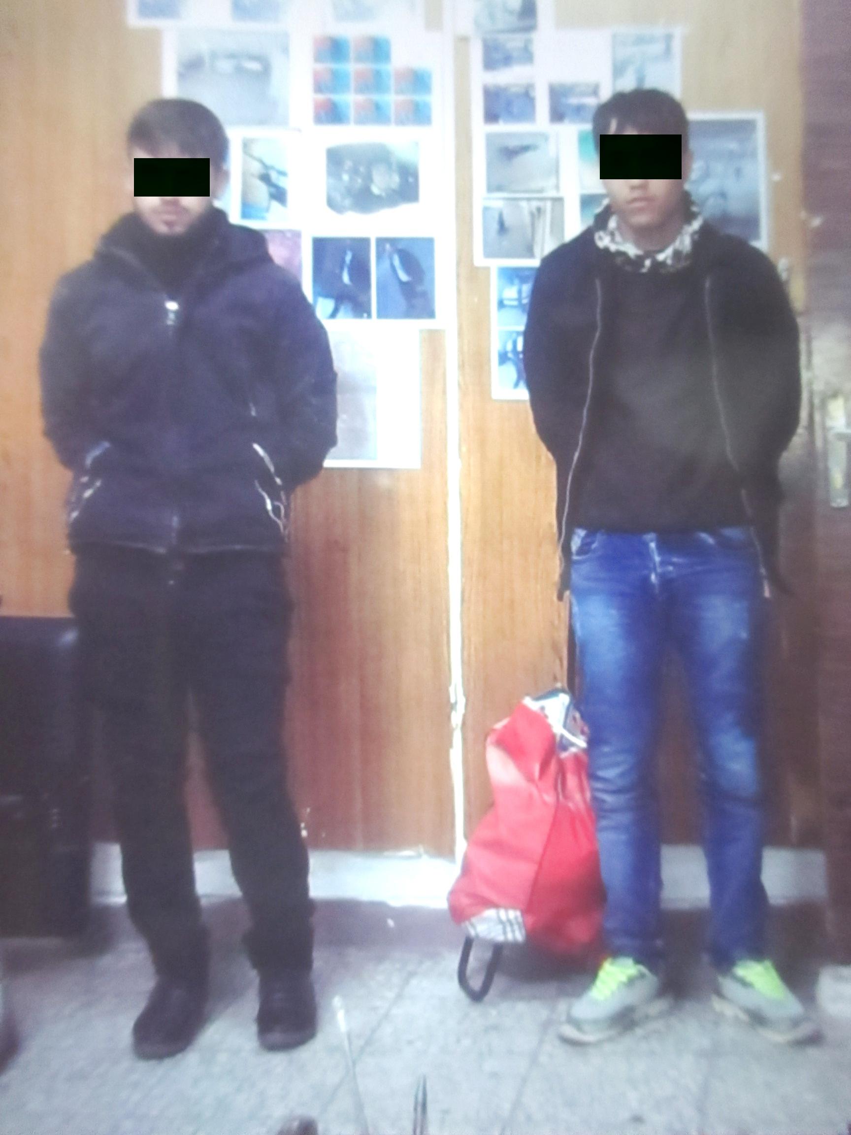 قتل پسر نوجوان با قمه و قداره/ تعرض به زن جوان در ملاء عام + تصاویر