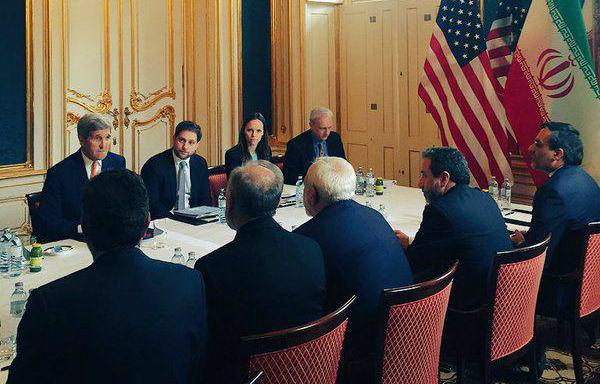 رایزنی ظریف و کری در آستانه اعلام اجرای برجام