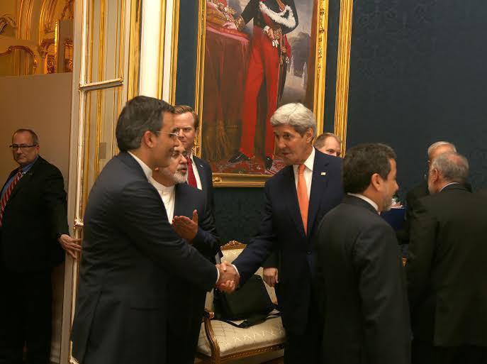 معرفی سخنگوی جدید وزارت خارجه به جان کری توسط ظریف + تصویر